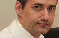 Dr. Carlos Suárez García